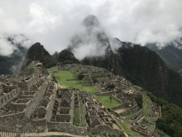 【絶景】マチュ・ピチュ!標高2,400m天空都市の観光実録とクスコからの行き方