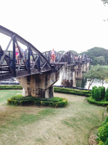 【タイ】カンチャナブリ観光-泰緬鉄道乗車記と戦争博物館で見た「日本」
