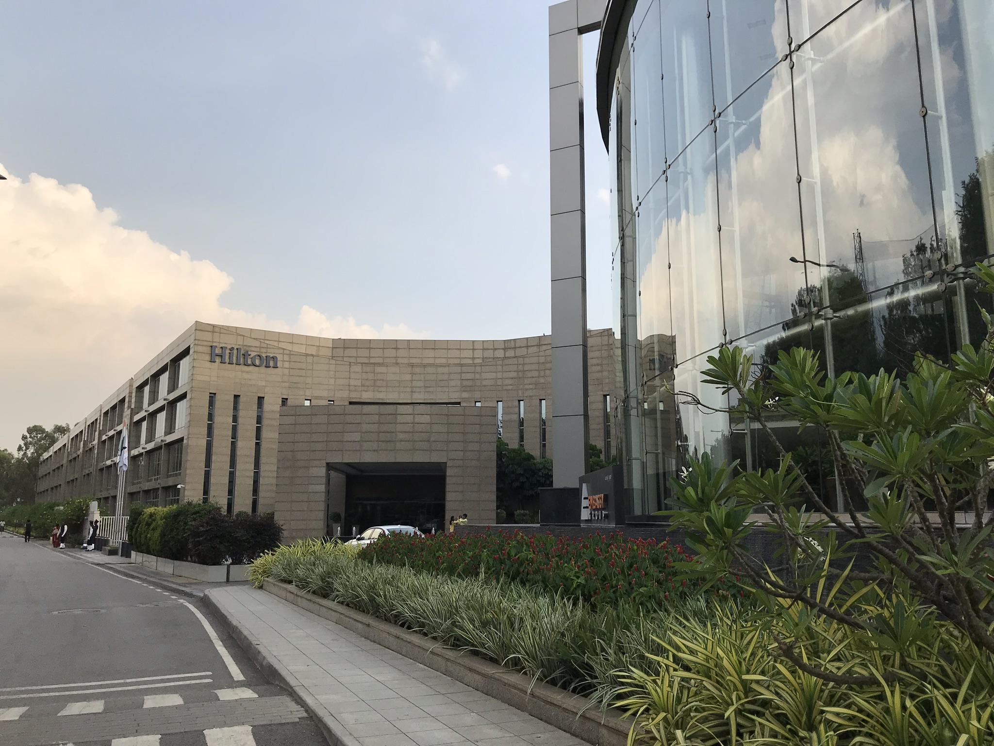 【ヒルトン】Hilton Bangalore Embassy Golf Links宿泊記!アクセスやホテル内の様子